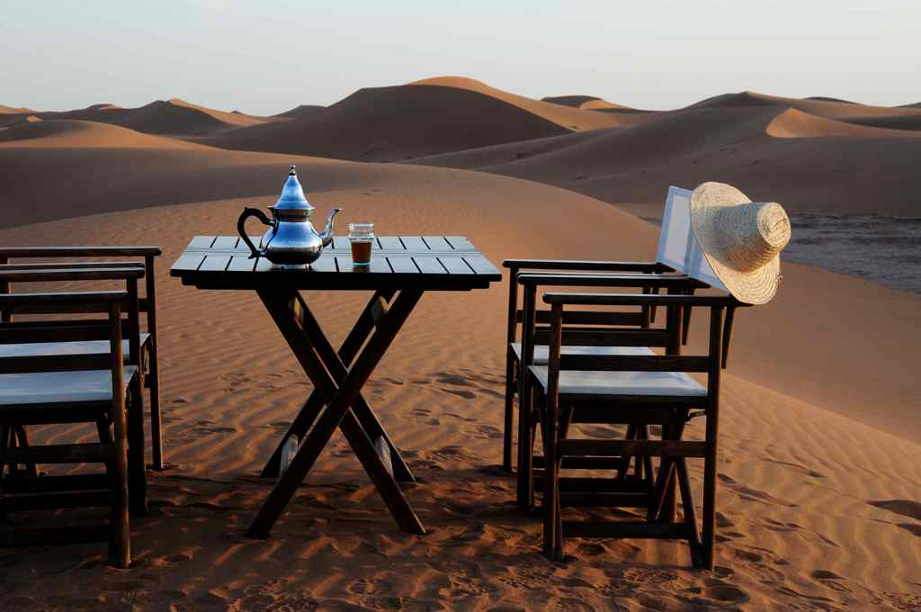 azalai camp a tea in the desert
