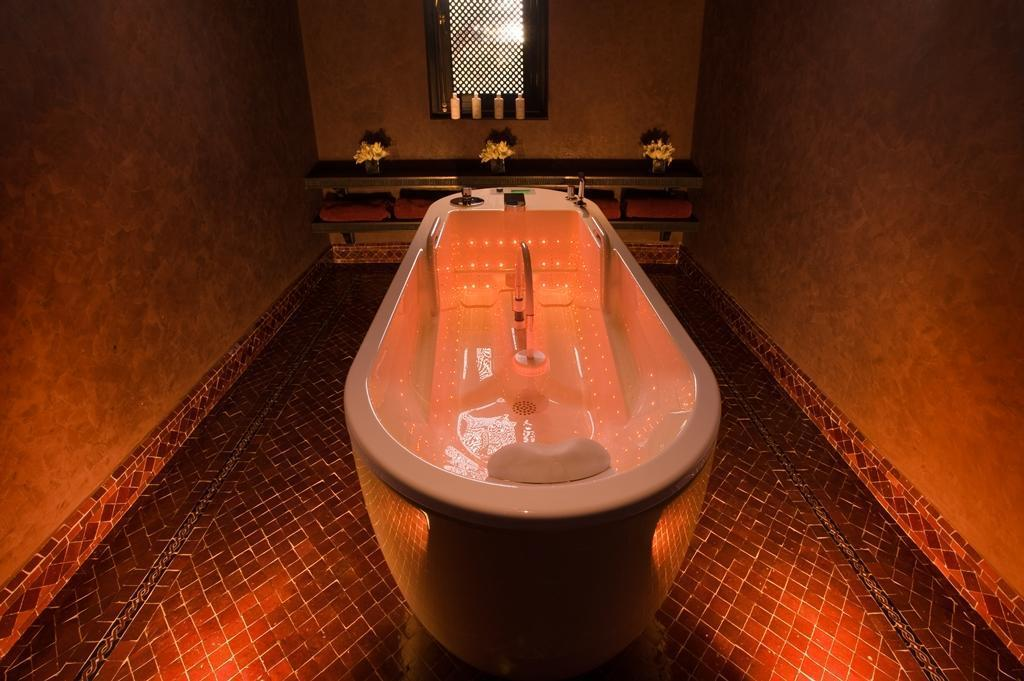 selman palace spa hydrojet room 2