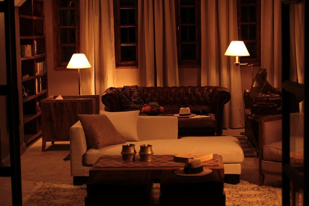 azalai lodge zagora at night