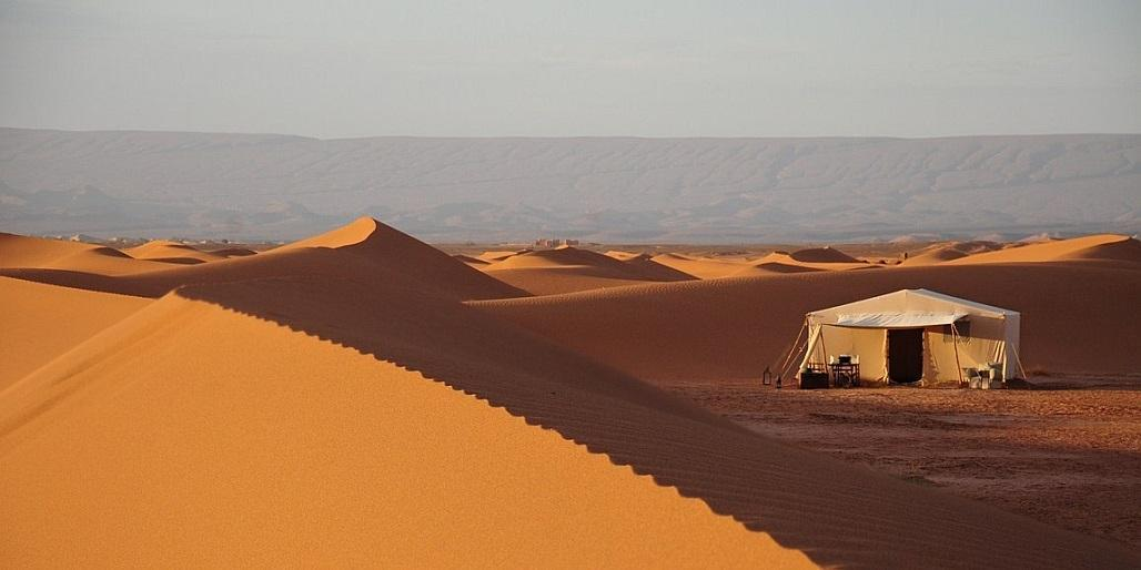erg chigaga dunes and tent